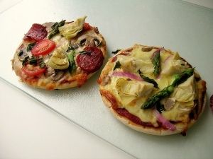 """Homemade Pitta Bread Pizza"""