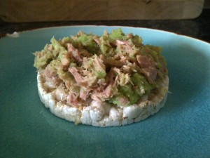 """Tuna and mushy pea rice cakes"""