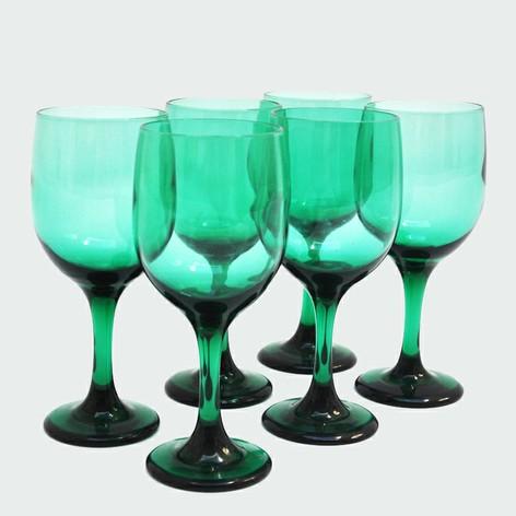 """Wine goblets"""